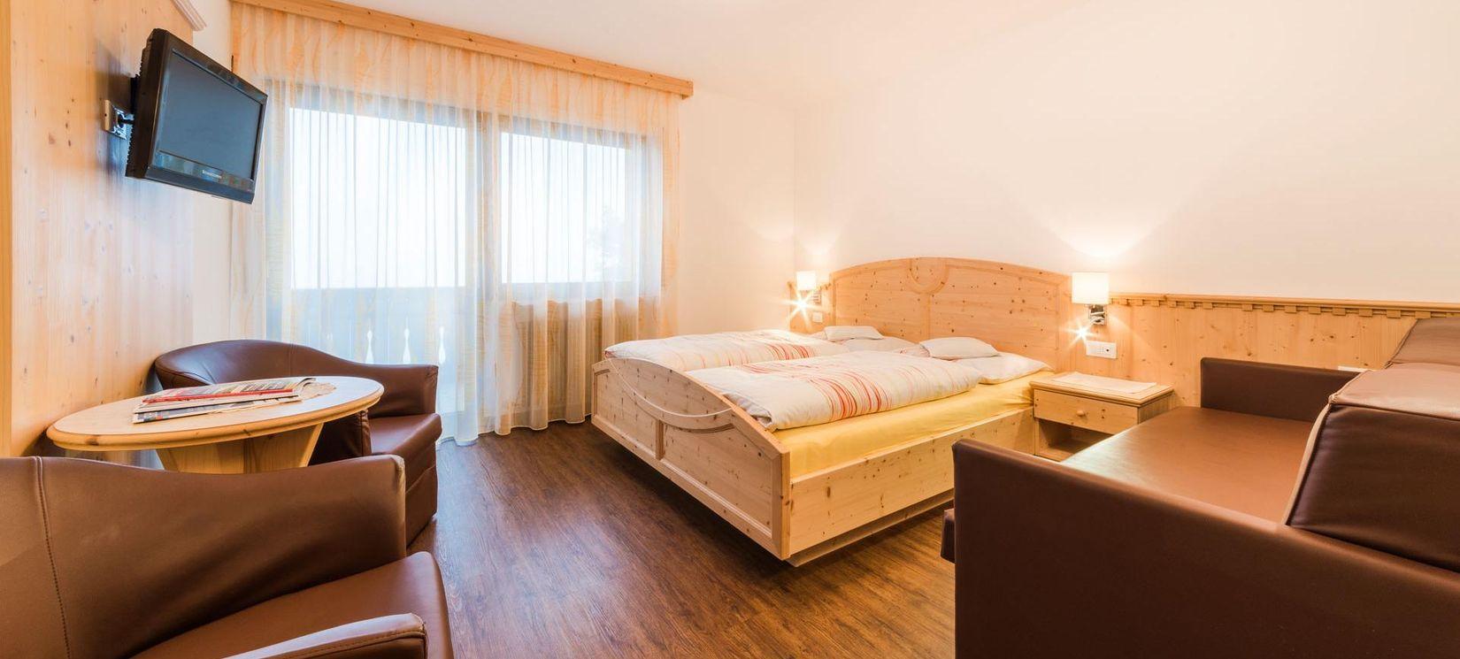pension schenna mit fr hst ck pension hahnenkamm in s dtirol. Black Bedroom Furniture Sets. Home Design Ideas